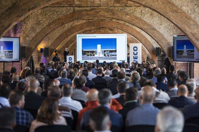 Iveco organiza una jornada para dar a conocer las ventajas del uso del gas natural