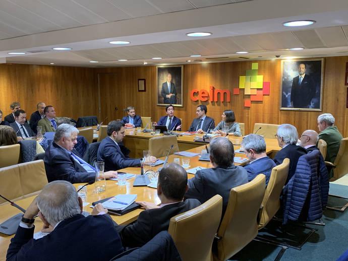 Se celebra la reunión de la Junta Directiva de Confebus