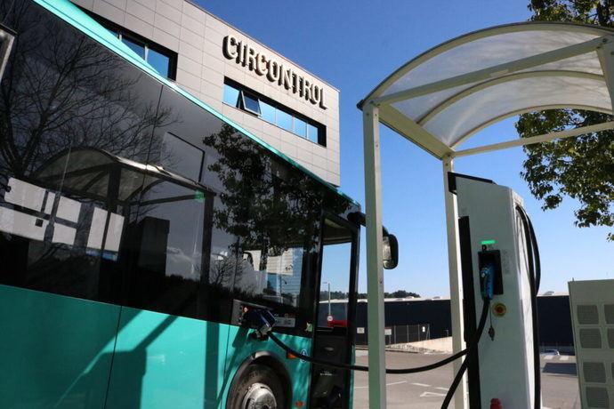 Primer viaje en autobús eléctrico desde Barcelona a Madrid