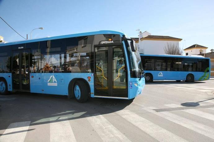 Los viajeros del autobús crecen en todos los modos, excepto en larga distancia