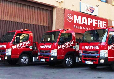 Mapfre incorpora cuatro nuevas grúas híbridas a su flota de vehículos