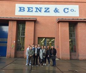 Los alumnos del Máster Confebus visitan las fábricas de Mercedes y Setra