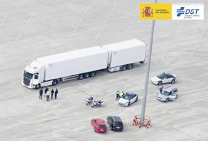 Tráfico establece los requisitos para autorizar la circulación de los megacamiones por carretera