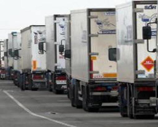 El transporte de mercancías por carretera cae un 12%