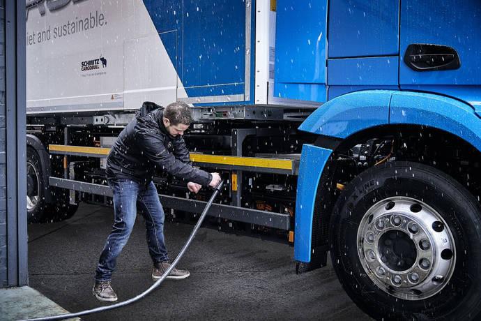 Mercedes Benz eActros electrifica con sus camiones Alemania, Bélgica y los Países Bajos