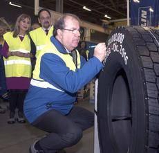 Acto conmemorativo por la fabricación del neumático 50 millones.