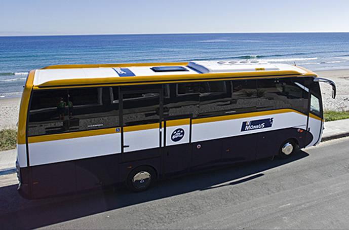 Monbus pone en marcha los servicios a las playas gallegas