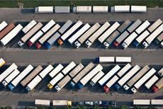 Imagen de archivo cártel de camiones
