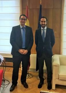 El director general de Transportes, Costas y Puertos, Salvador García-Ayllón, y el director general de Transporte Terrestre del Ministerio de Fomento, Joaquín del Moral.