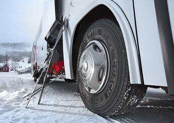 Arval recomienda extremar las precauciones con los neumáticos en invierno