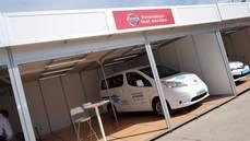 Stand de Nissan en Ecomov.