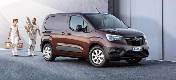 Opel continúa su ofensiva de electrificación