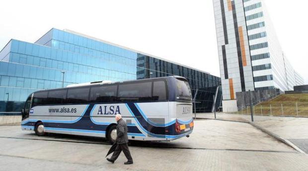 Los autobuses interurbanos de Oviedo podrán entrar al hospital