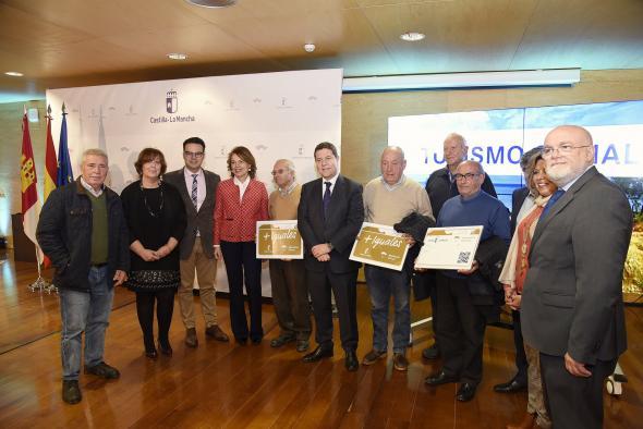 Más de 380.000 mayores castellano-manchegos podrán viajar más