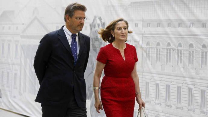 Rafael Catalá sustituye a Ana Pastor al frente del Ministerio de Fomento