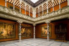 El evento tiene lugar hoy en el Patio de la Infanta en Zaragoza.