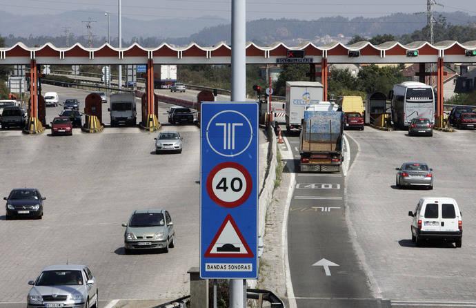 Xunta analizará con Fomento la opción de bonificar en vías de peaje