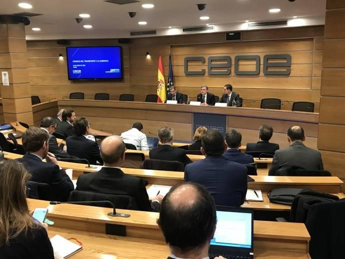 Pedro Saura se reúne con el Consejo del Transporte y la Logística de CEOE