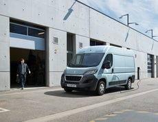 Peugeot presenta su furgoneta 100% eléctrica, la eBoxer