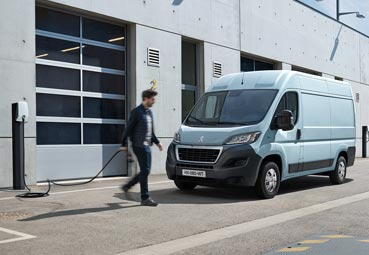 Peugeot organiza unas jornadas para mostrar sus comerciales
