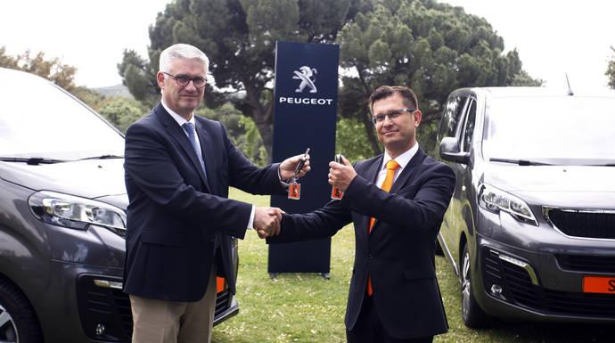 Sixt Rent a Car incorpora el Peugeot Traveller a su flota, en rigurosa primicia