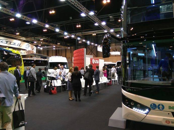 UNVI presenta nuevos modelos de microbús y de doble piso