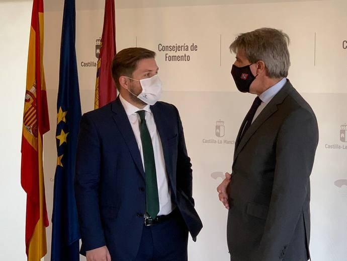 Madrid impulsa la colaboración en el transportes con Castilla-La Mancha
