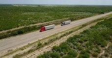 Daimler Trucks conduce camiones conectados digitalmente en carreteras seleccionadas en Oregon y Nevada.
