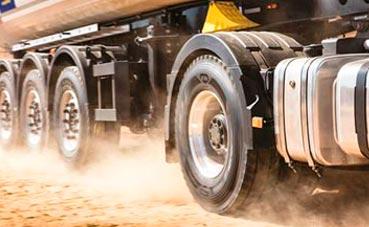 Desciende la importación de neumáticos asiáticos para camión