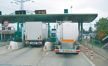 El transporte internacional pierden hasta un 50% de viajes