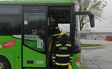 Alsa cede sus autobuses a la UME para el traslado de enfermos