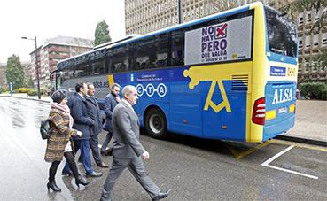 El Gobierno de Asturias reduce su servicio de transporte