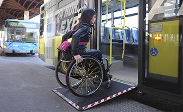 EMT y Cermi Madrid analizan los retos de las personas con discapacidad