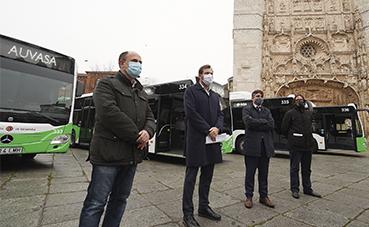 Auvasa presenta cuatro nuevos autobuses de GNC para Valladolid