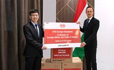 Hungría recibe 100.000 donaciones de mascarillas BYD