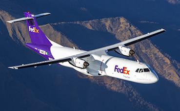 FedEx Express dona dos aviones al Departamento de Bomberos
