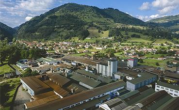 Nissan respalda el futuro de la planta de Cantabria