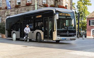 Asistencia lateral para autobuses y autocares de Setra y Mercedes-Benz