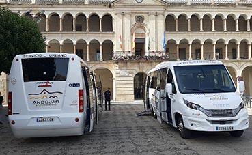 Andújar presenta su nueva flota de microbuses, para el transporte urbano