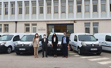 Santander renueva su flota de vehículos con seis furgonetas eléctricas