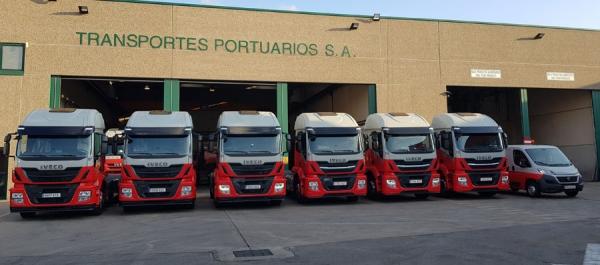 Transportes Portuarios amplía su flota con siete camiones de Iveco