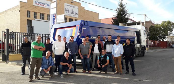 Schmitz Cargobull refuerza su servicio postventa para basculantes en España