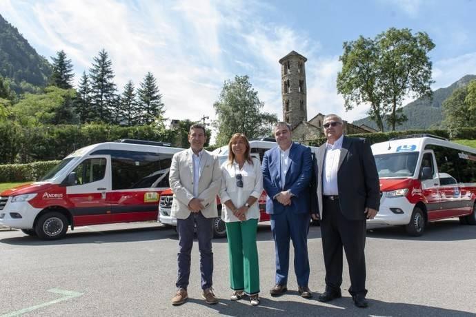 Seis microbuses de Integralia para el transporte comunal de Andorra