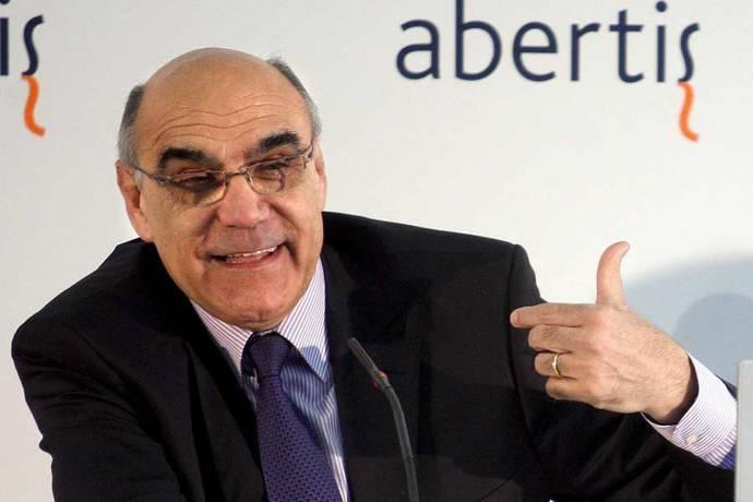 Salvador Alemany, presidente de Abertis, recibe la Medalla de Oro de la Carretera