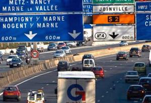 Francia aplaza la aplicación de la Ley Macron