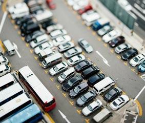 La producción y la exportación de vehículos cae un mes más