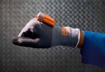 La compañía DB Schenker desarrolla su guante inteligente ProGlove