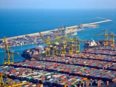 El tráfico de contenedores de Barcelona crece un 15% hasta agosto
