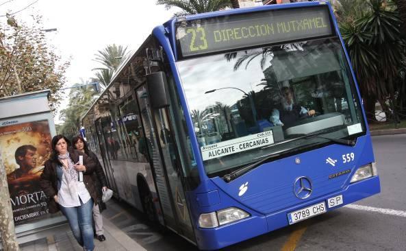 Los viajeros del autobús crecieron en mayo en todas las especialidades, menos en la laboral