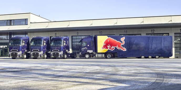 El equipo Red Bull de F1 suma ya 12 Renault Trucks en su flota de apoyo